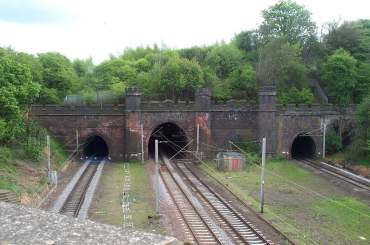 4x3 Linslade Tunnel 3.jpg (15270 bytes)