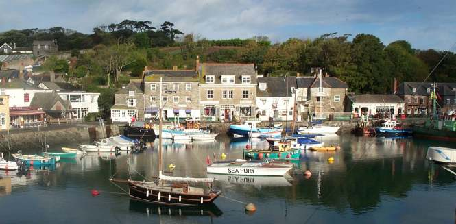 7x4 padstow harbour in sun.jpg (36937 bytes)