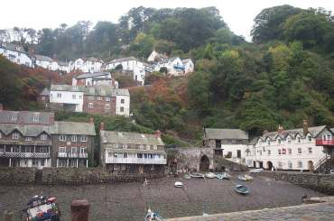 4x3 clovelly village from harbour.jpg (16724 bytes)