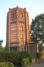 2x3 Finedon water tower.jpg (6406 bytes)
