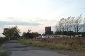 4x3 finedon water tower.jpg (6508 bytes)